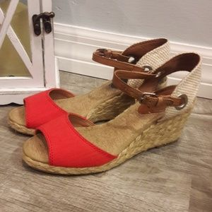 EUC😍LUCKY BRAND ANKLE STRAP WEDGE 5.5